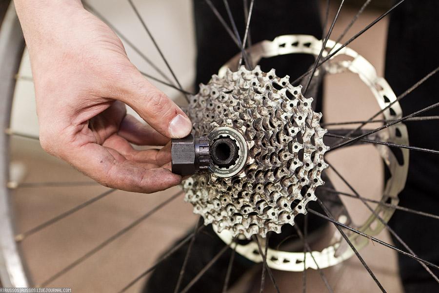 Снятие кассеты с заднего колеса