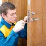 Как снять замок с двери своими руками